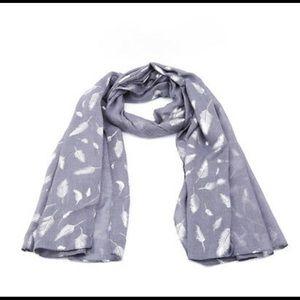Metallic feather gray scarf new